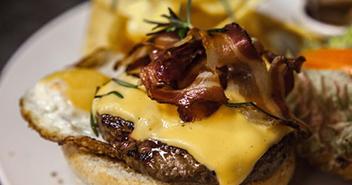 The Friends Pub Milano hamburger