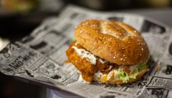 Pa-STELLA Crispy Chicken Burger